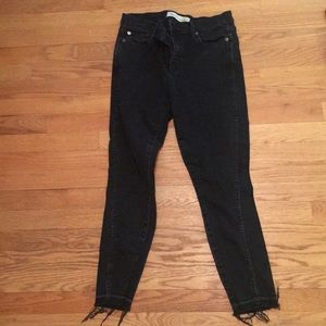 Gap true skinny ankle black jeans with raw hem